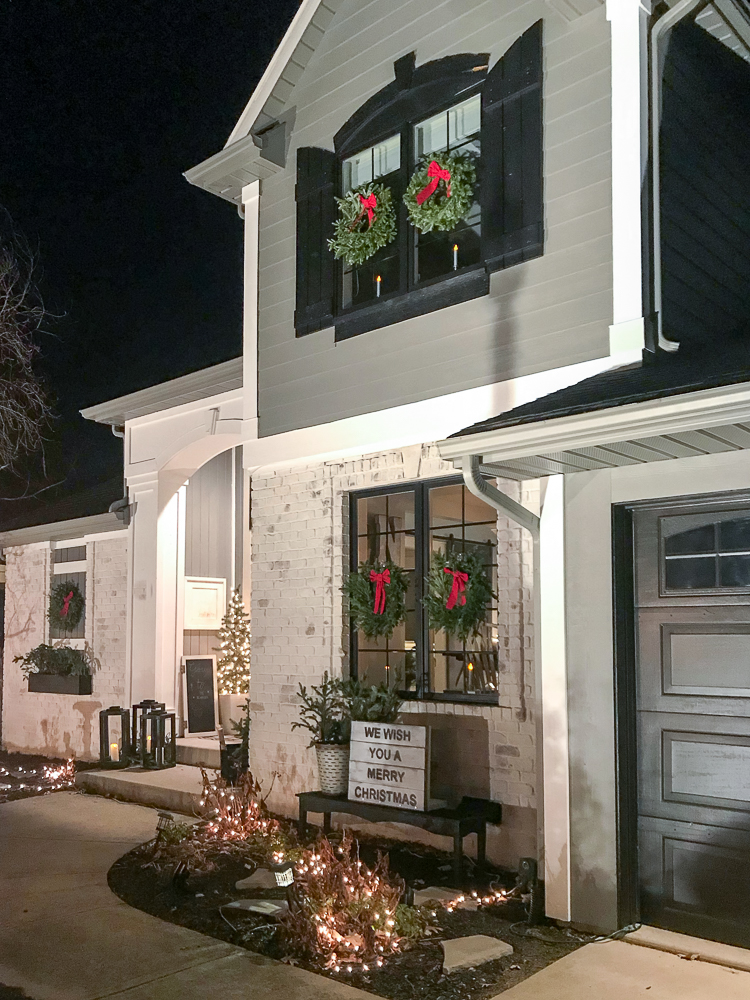home decorated for christmas exterior