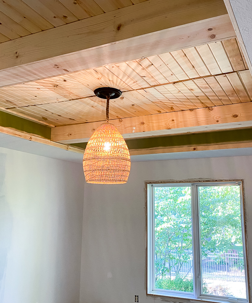 Carsiding tray ceiling with ceiling beam and new basket light