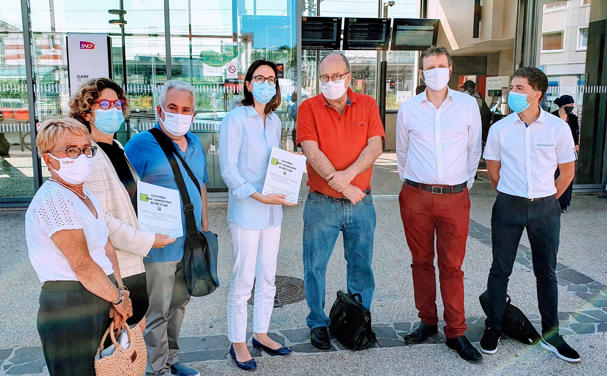 Opération «Livre Blanc», Amélie de Montchalin et Marie Guévenoux ont répondu présent.