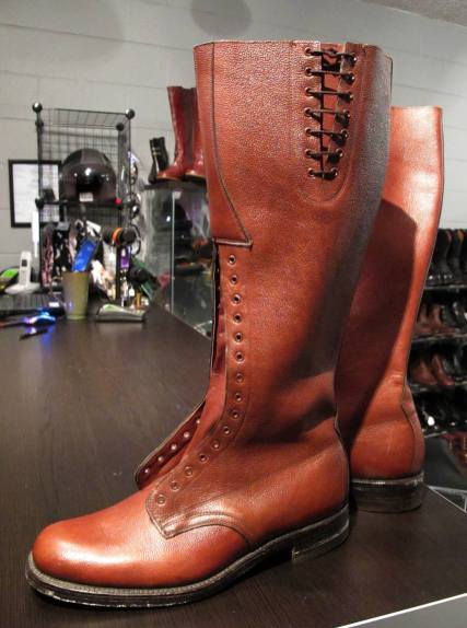 mountie-boots-01