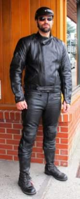 rp_2pc-suit-blk-leather_9683-415x1024.jpg