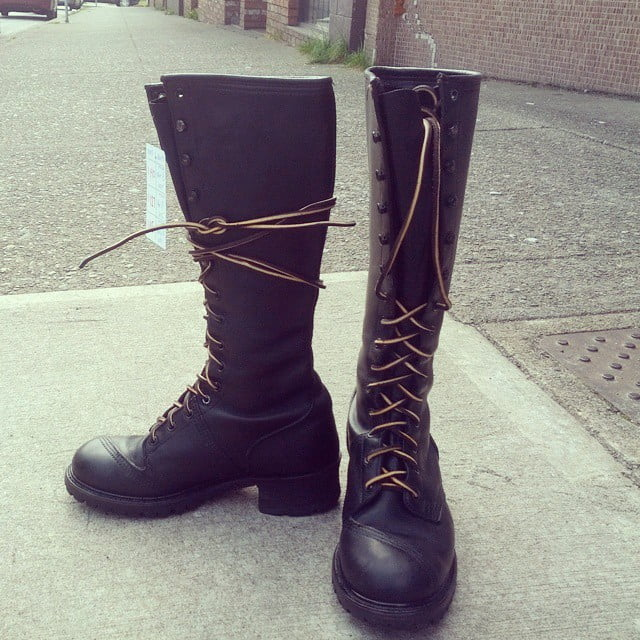 Gorgeous tall lace-up oiltan Frye boots. vibram soles. Full length leather laces. Barely worn. Nice. $140 #Frye #linesman #rerides