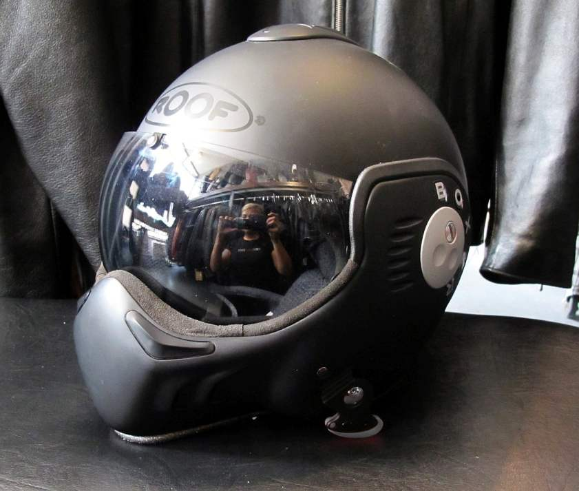 East-Side-Rerides-Roof-Boxer-Helmet-01-web