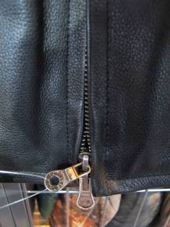 Double main zip