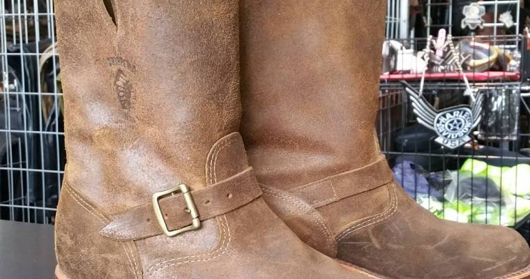 These roughout Chippewa engineer boots say hullo. #rerides #inventory