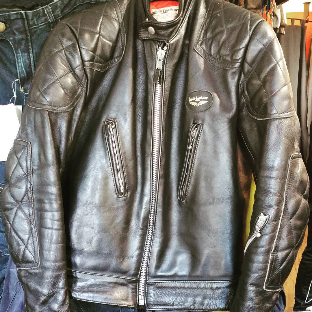 Lewis Leathers jacket came in today. Dang, it's lovely.  Size 40, fits slender. #lewisleathers #rerides