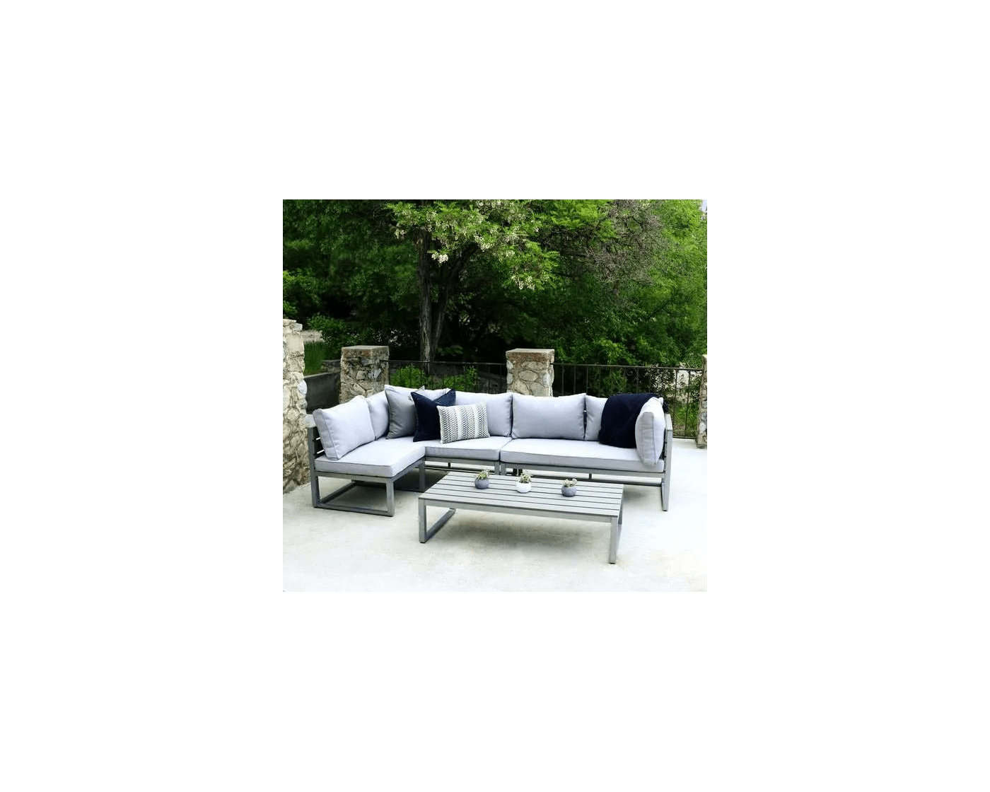 walker edison gray 4 piece aluminum outdoor patio conversation set with cushions oaw4csngy goedekers com
