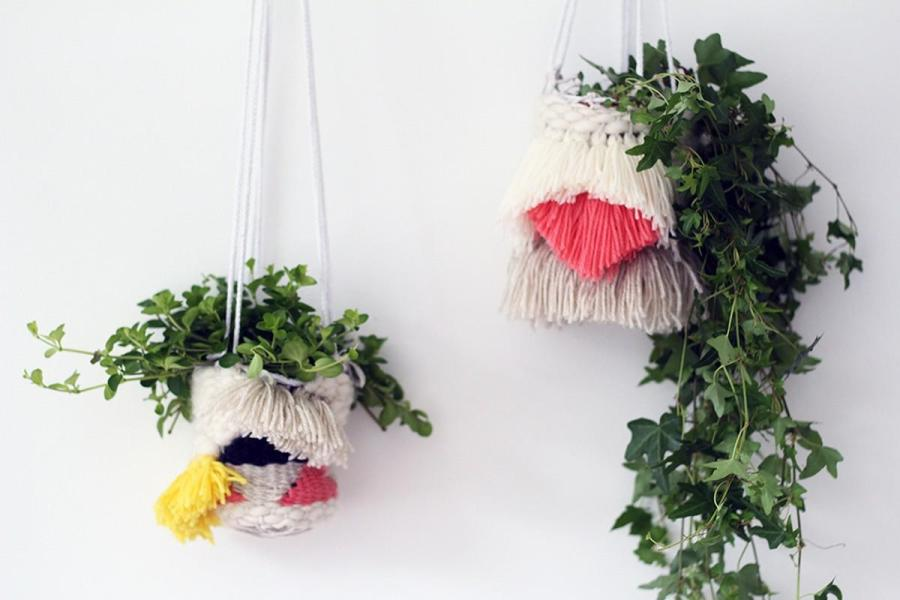 Weaving is very popular for home decor, it brings a relaxed, cozy and sometimes even boho feel to the space.