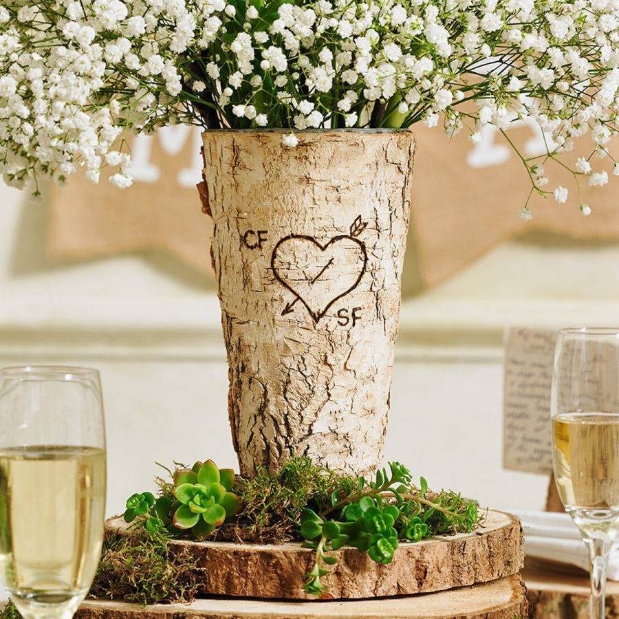 Do you grow flowers in the spring and summer that you just love displaying indoors? If so, have you thought about the perfect vase for displaying those flowers? How about giving your homegrown flowers as a gift and putting them in a lovely vase?