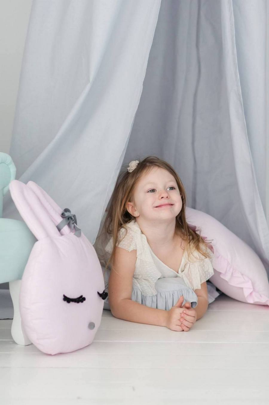 Looking to take your tot's room over the top? The answer is in perfectly picked pillows.