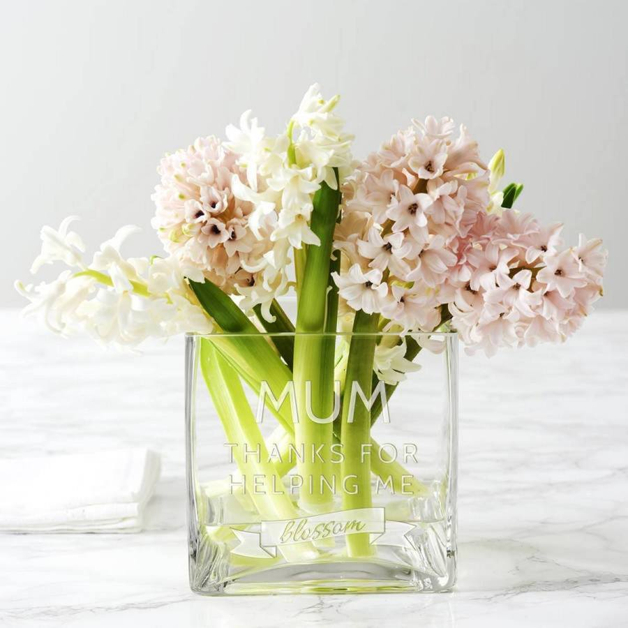 It is always nice to have the perfect vase for any occasion. When you get unexpected flowers, throw a dinner party, or simply want somewhere to put your pencils, a vase is a stylish option.