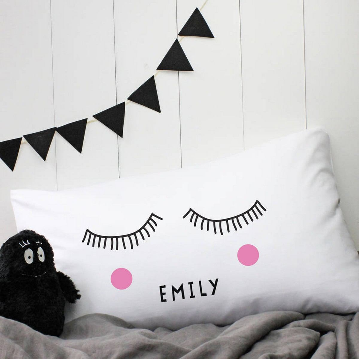 Adorable Pillows to Brighten Up Any Kid