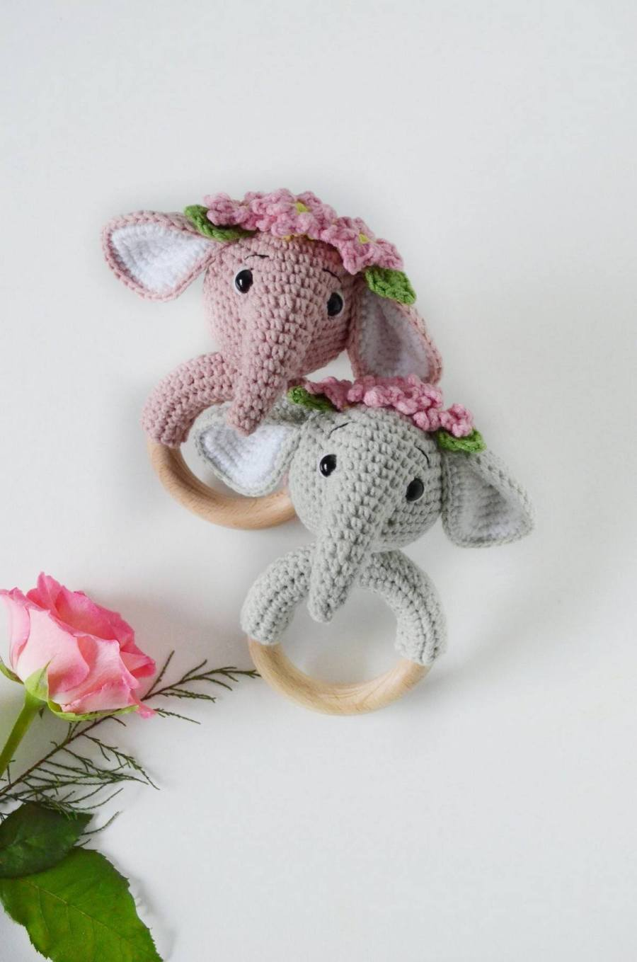 Looking to purchase a baby rattle? These days there is a dizzying amount of rattles for baby to choose from in the baby toy aisle.  Parents want the best for the child. There's nothing more fun than watching your baby shake, jiggle, and play with a baby rattle.