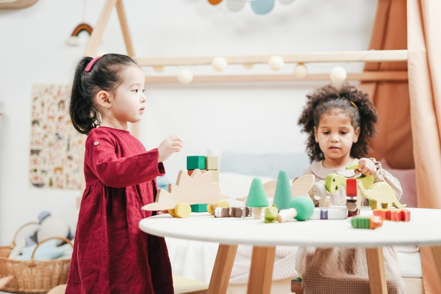 Sensory play has an important role in development. When you talk about the senses, most kids over a certain age can rattle them off without problem: sight, smell, hearing, touch, and taste. Any and all of these can be incorporated into sensory play.