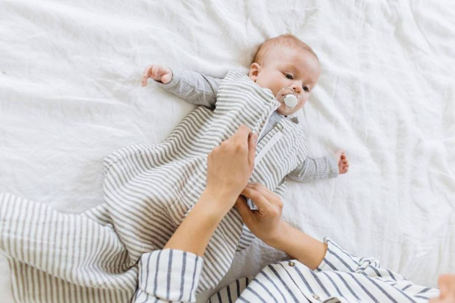 When your baby reaches the age to stop swaddling, baby sleeping bags are better than bed sheets and baby blankets. Your baby will sleep better in a comfy sleeping bag.