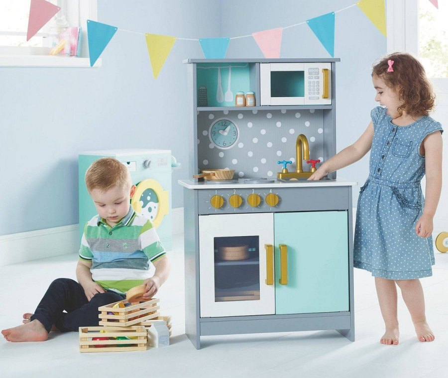 There are so many great benefits to children from playing with role play toys such as a play kitchen. They develop their vocabulary, imagination and social skills as well as improving hand-eye coordination, fine motor skills and problem-solving ability.