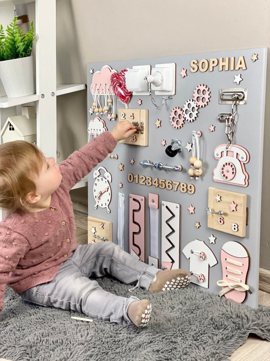 Wondering how to encourage independent play while helping your baby develop essential skills? Busy Boards for toddlers are a great solution! Busy boards are a great sensory activity for babies and learning activity for toddlers through preschool.