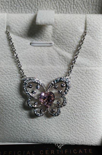 Lady Colour: Collana con ciondolo a farfalla dal cuore rosa