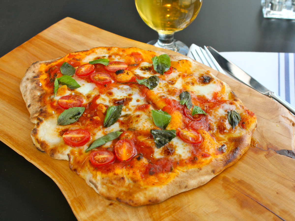 Houston, Fieldings Kitchen + Bar, July 2015, pizza