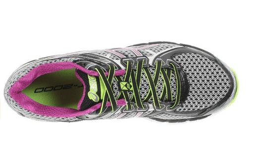 Lightweight design in sole