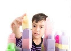 Memilih Mainan Anak Sesuai Usia Alodokter