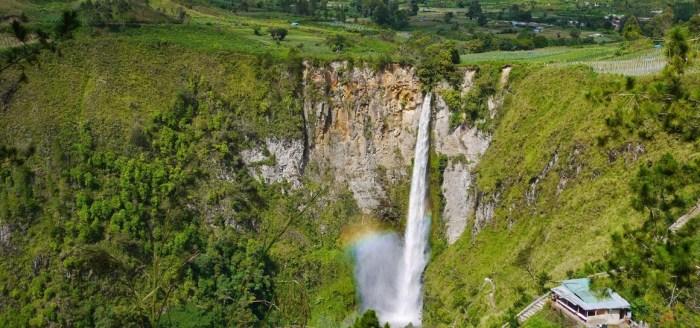 Air Terjun Sipiso-Piso