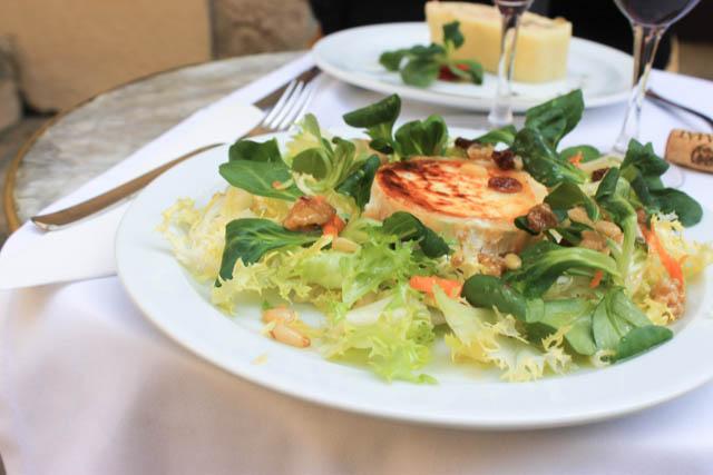 Goat cheese salad in Girona