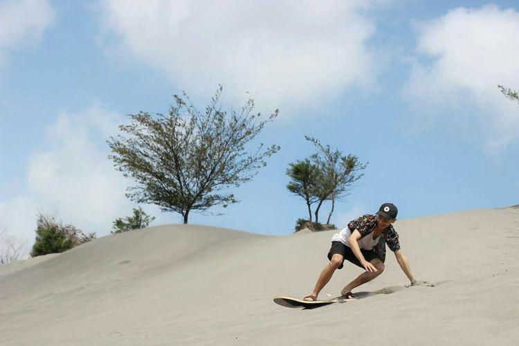 1564221041 661 Gumuk Pasir Parangkusumo Destinasi Wisata ala Timur Tengah yang Hits Gumuk Pasir Parangkusumo, Hits Tourism Destination in Jogja Middle East style Tourism