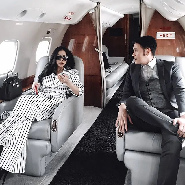 Jet pribadi5 Potret Kemewahan Artis Indonesia Diatas Jet Pribadinya