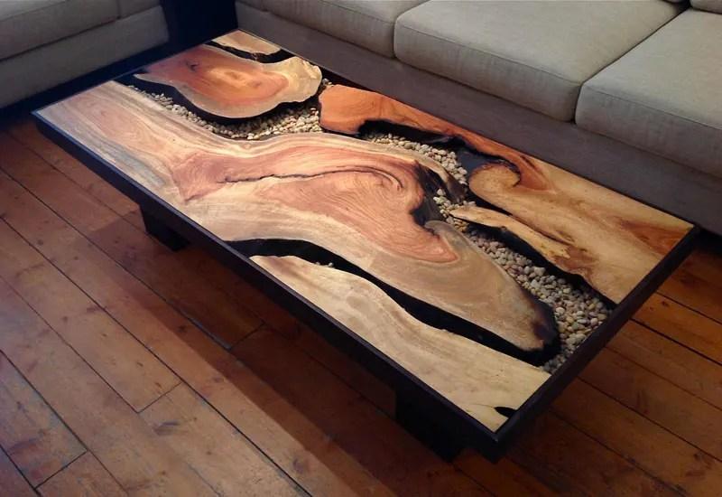 Table basse design en bois brûlé
