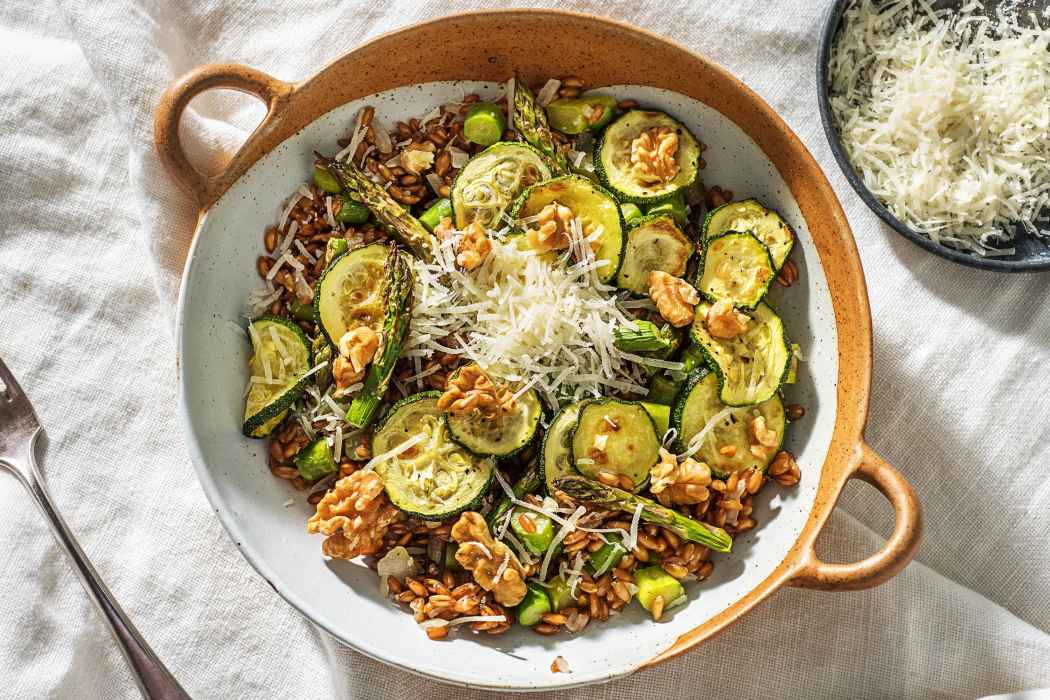 Greens-Farro-Bowl-calorie smart-HelloFresh