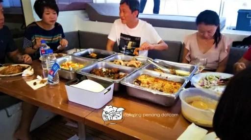 Biodegradable plates for high tea buffet