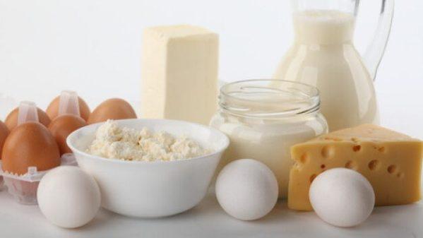 Susu, yogurt dan telur kaya dengan nutrisi penting seperti protein