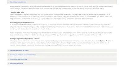 Page d'avis de confidentialité de Bank of America avec accordéons qui contiennent chaque section de la politique