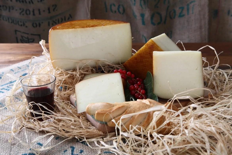 Pecorino-queso-de-oveja-italiano-El-Portal-del-Chacinado