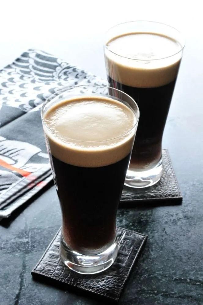 Mayores-niveles-de-hierro-en-la-cerveza-negra-El-Portal-del-Chacinado