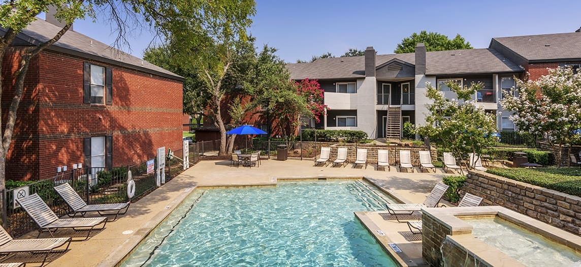colonial village at grapevine luxury
