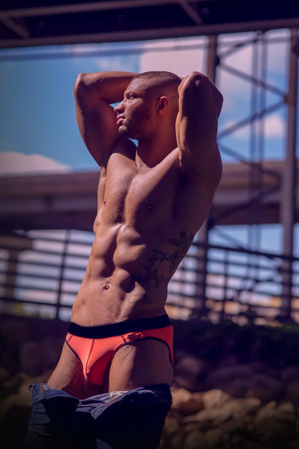 What underwear should I wear? (image supplied by HUNK²)