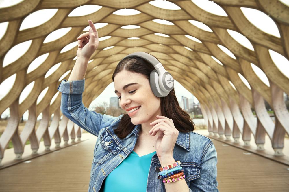 Nyd fantastisk lyd i påsken med højttalere og hovedtelefoner fra JBL! 11