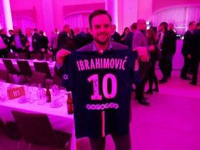 Cancerfonden fick 19 000 kr när Halon vann Zlatans tröja på välgörenhetsauktion 1
