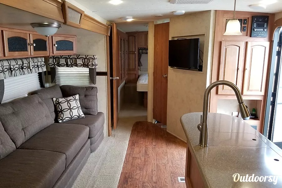2015 Flagstaff Classic Super Lite Trailer Rental in Loganville  GA     2015 Flagstaff Classic Super Lite with Diamond Package Upgrade Loganville   GA