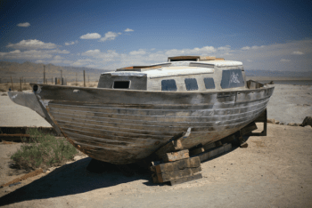 abandond, decaying boat