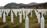 Pietre de mormânt pentru victimele genocidului (masacrului) de la Srebrenița