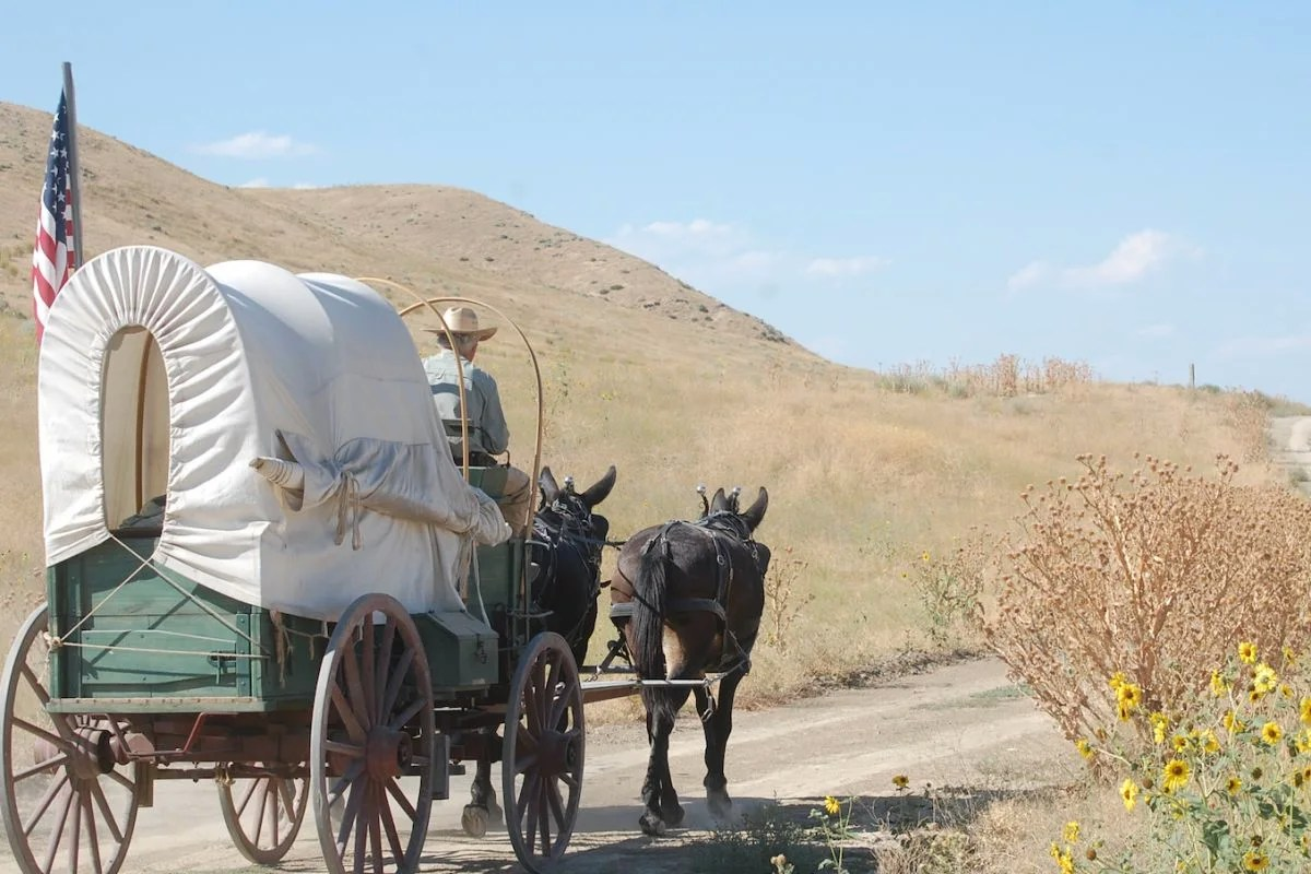 What S It Like To Travel The Oregon Trail In A Covered