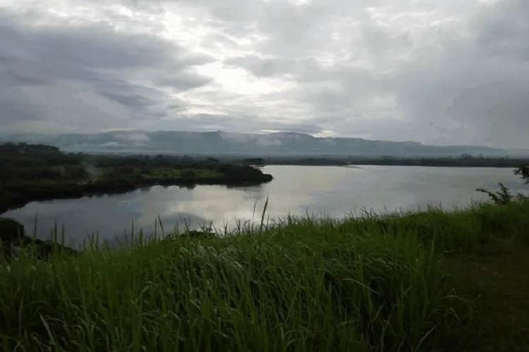 Danau Lebar Suoh