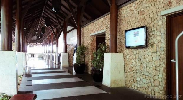 2016 04 shangrila hallway