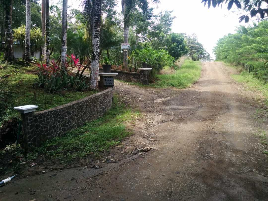 Entrance to neighbor's driveway