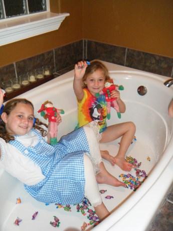 Elf selfie in the tub