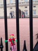 Elf at Buckingham Palace