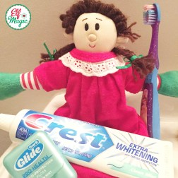 This elf wanted to make sure her teeth were clean